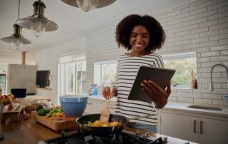 Finding Healthy Recipes on Social Media